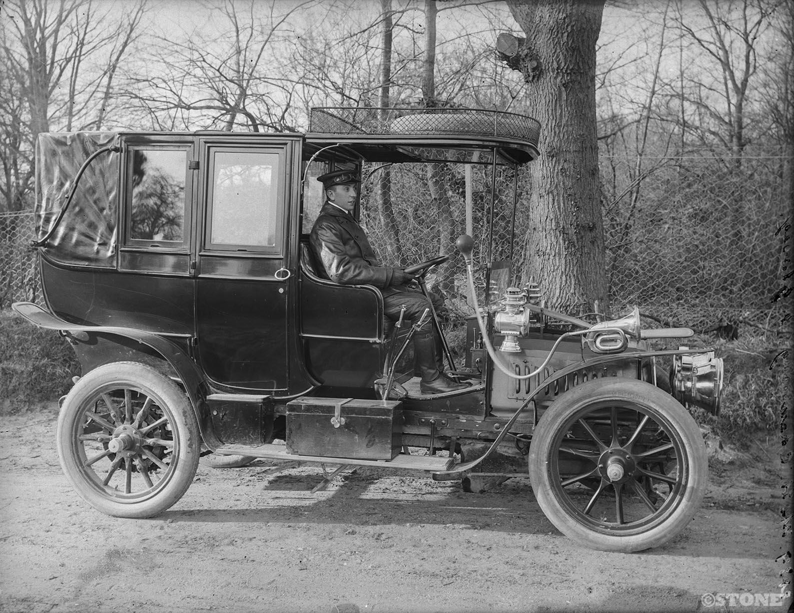 Herbert Thomas Cave - vintage car