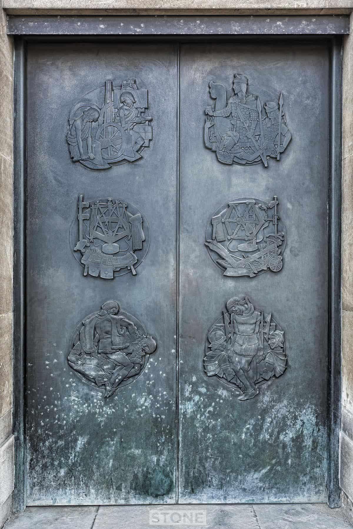 Doors 5479 2 © Nick Stone